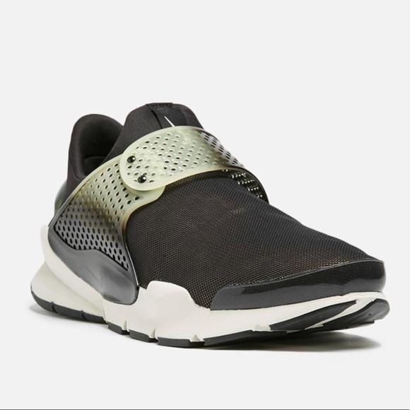 super popular c1239 34482 Nike Sock Dart SE Premium Size 13 Black 924479-001